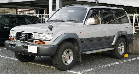 Toyota_Land_Cruiser_80_Van_003